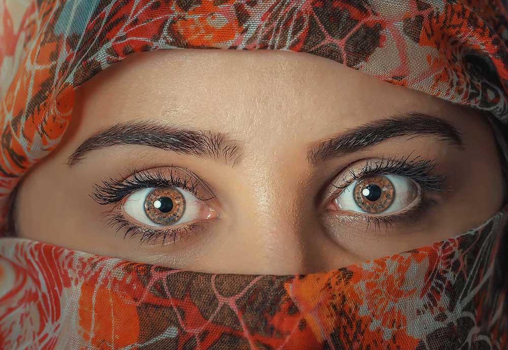 photographie des yeux d'une femme